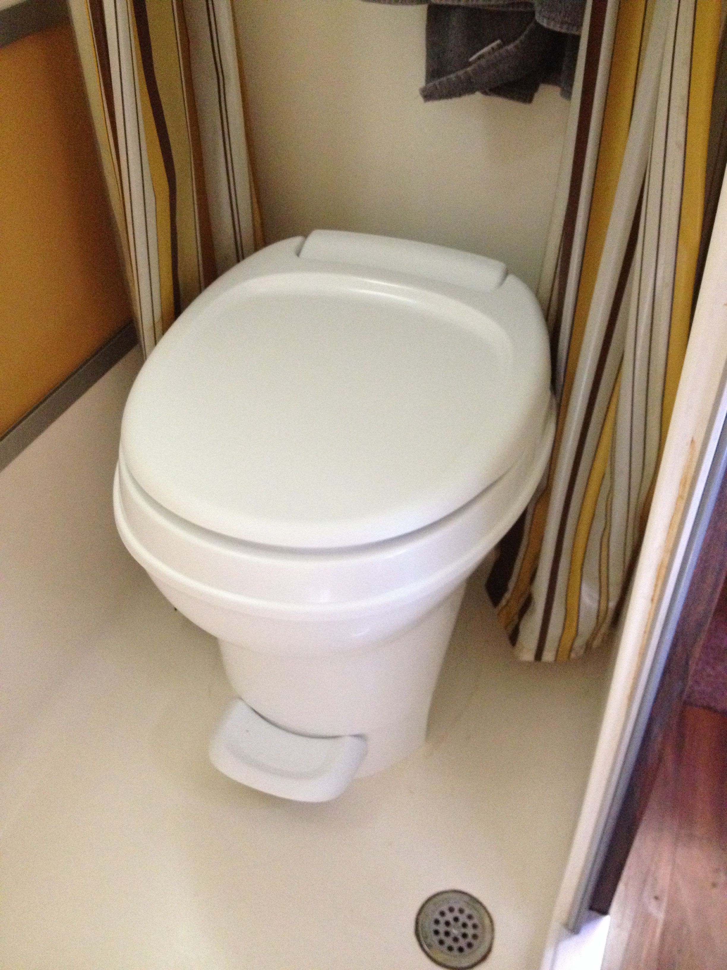 Ok, new toilet is in, much better. | 1975 GMC motorhome resoration ...
