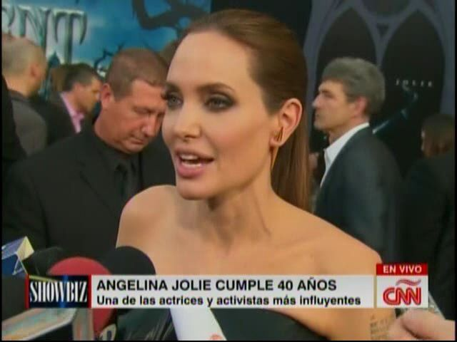 Angelina Jolie Cumple 40 Años #Video