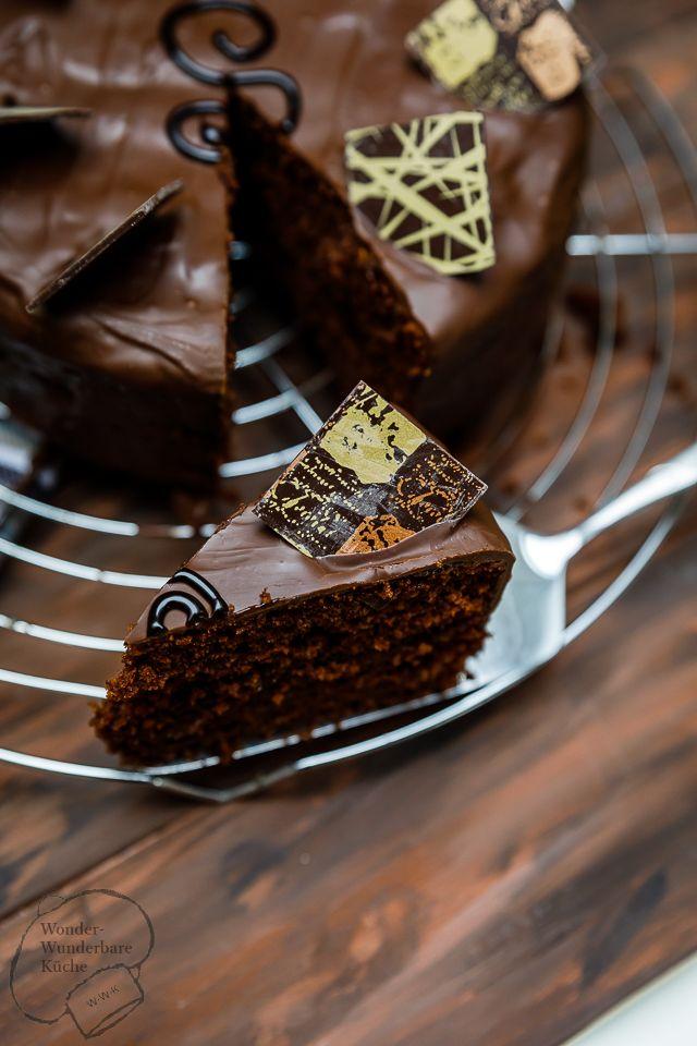 kleine kuchen sachertorte schokoladenkuchen mit viel schokolade aprikosenkuert re aprikose. Black Bedroom Furniture Sets. Home Design Ideas