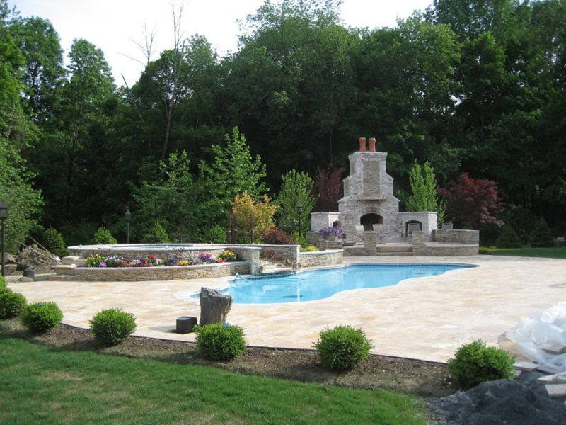 love the fireplace positioning | Pool Designs | Pinterest | Pool spa ...