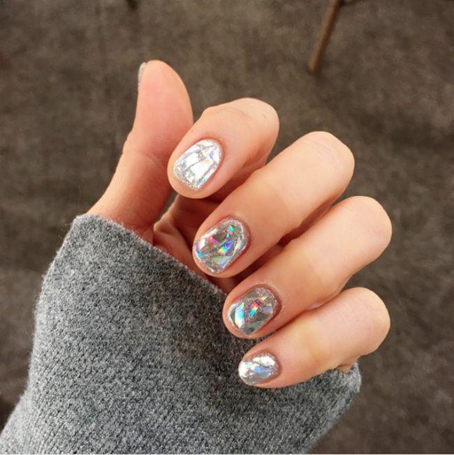 glitter nail art design | inspiration ideas DIY | sliver | round ...
