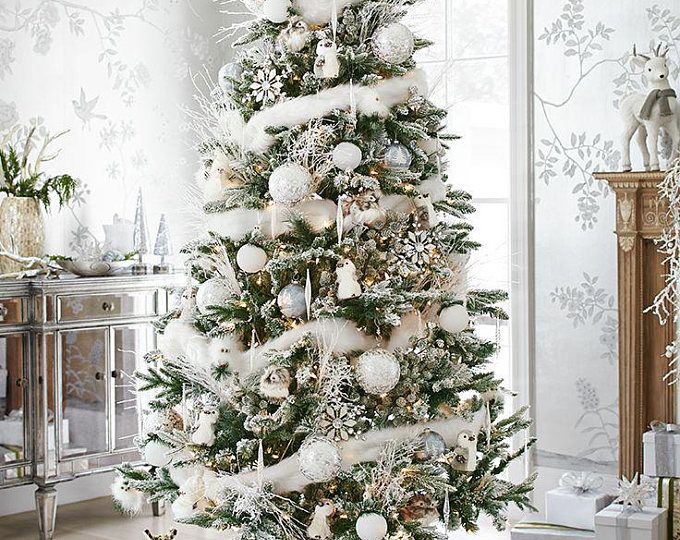 CHRISTMAS SPECIAL: White Marabou Boa to enhance the look of your Centerpiece Tree DIY -   19 christmas tree 2020 simple ideas