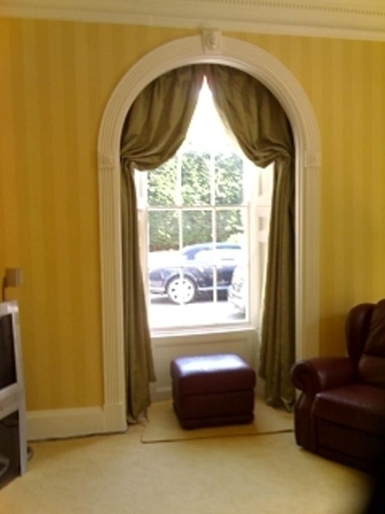 Italian Strung Curtains In Arched Window Kitchen Window Treatments With Blinds Living Room Blinds Blinds Design