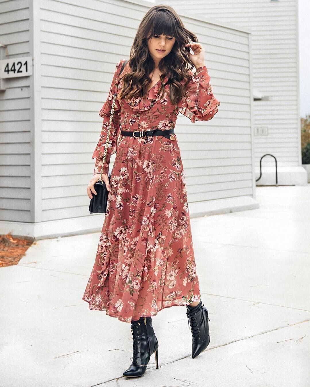 @thematimes rockin' this floral day-to-night look. ⠀  ⠀  Share your style tips with #MyPinterest.