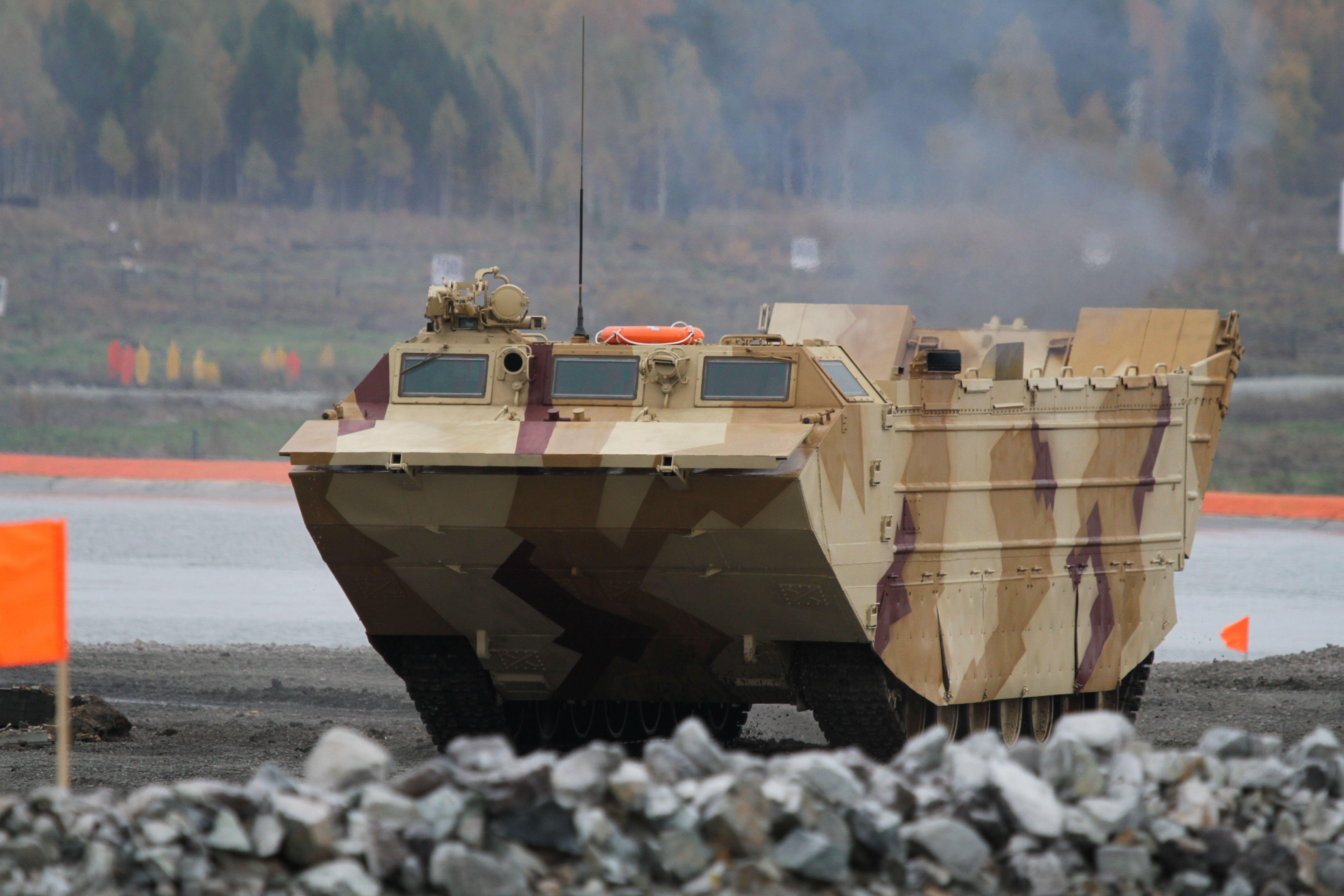 Плавающий транспортер танк фольксваген транспортер продажа в москве и области на авито