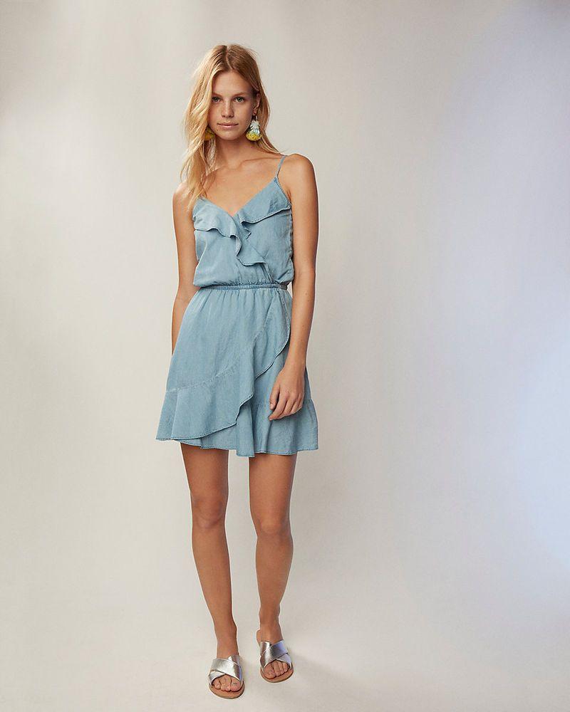 Denimdress 75 Nwt Express Denim Ruffle Front Cute Casual Dress Size Small Denim Dress 30 99 End Date Wednesd Cute Casual Dresses Dresses Express Dresses [ 1000 x 800 Pixel ]