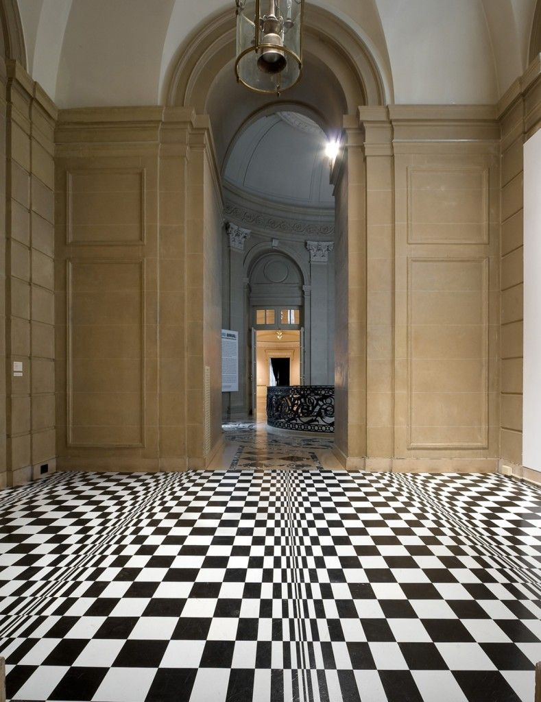 Optische tuschung verzerrung vom fuboden boden floor lisha bai this architectural installation at the national academy in new york city by artist lisha bai is titled undulate these illusory floor tiles add dailygadgetfo Images