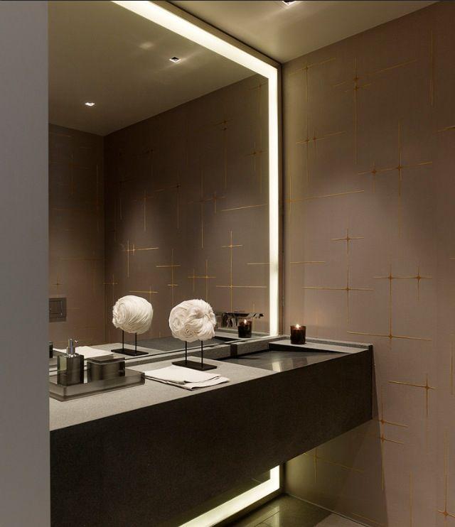 en el wc de invitados si ponemos espejo toda la pared con iluminacin como este
