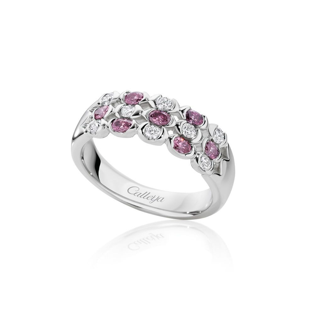 White And Argyle Pink Oval Diamond Ring With Images Purplish