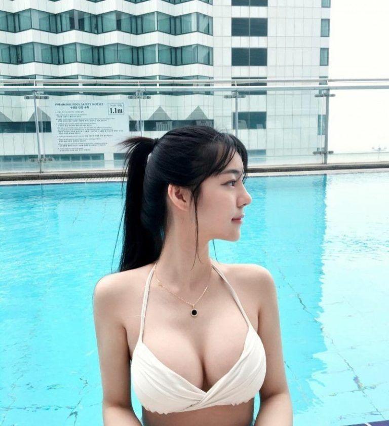 Asian Teen Blonde Lesbian