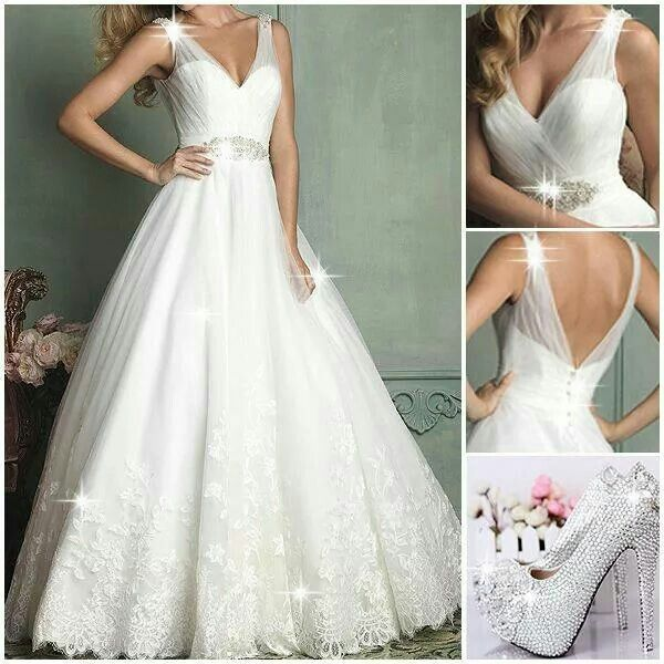 Ohhhhhhh how I love this dress...& them shoes...omg...I'm in love...this is what I want for my wedding... whenever that comes...lol