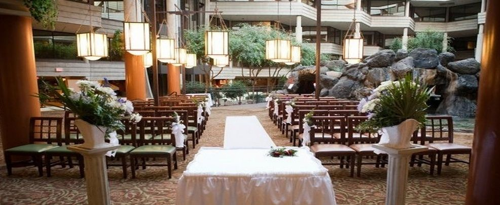 Hilton Chicago Indian Lake Resort Rustic Chic Wedding Venue Aisle