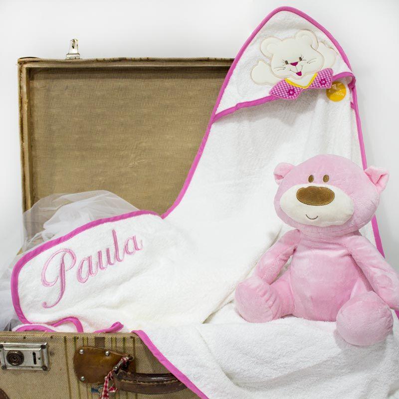 Capa de baño para bebé, personalizada con nombre. De rizo, composición 100% Algodón. Ideal para primeros baños. #Bebé #Bordados #Niño #RecienNacido #Regalo #Capa #Baño #Peluche #