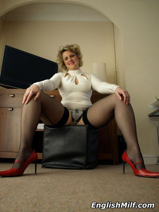 English Milfs In Stockings