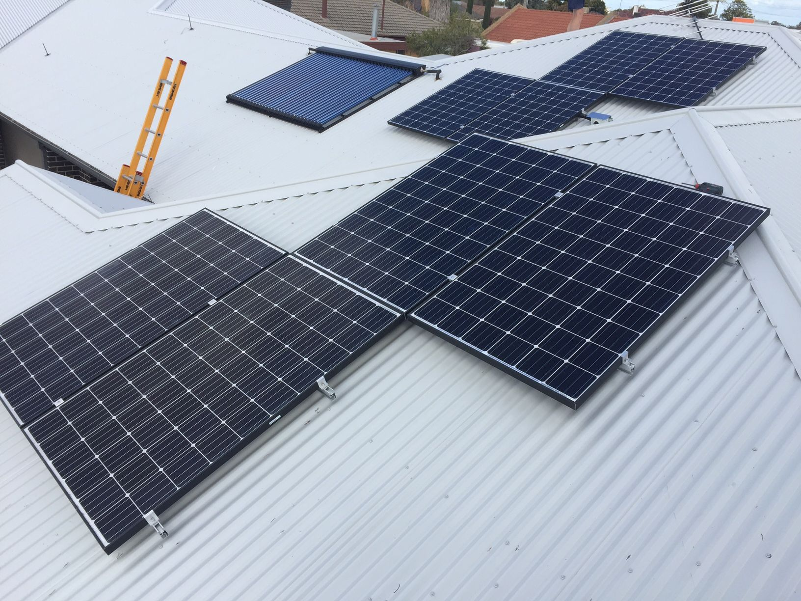 5kw Solar Power System Yarrawonga Victoria This Customer Has Just Moved Into A New Unit In Yarrawonga He Roof Solar Panel Solar Power System Electricity Bill