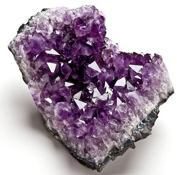 Resultat d'imatges de mineral amatista