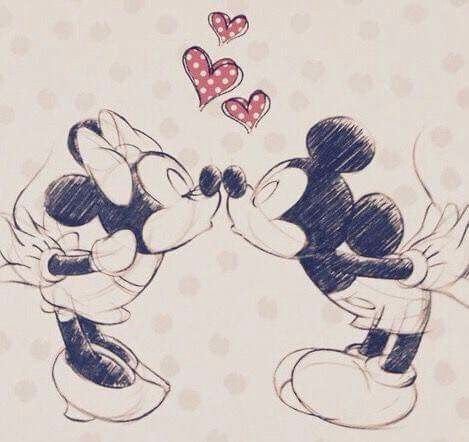 mickey and Minnie love hearts   Minnie & Mickey Mouse ...