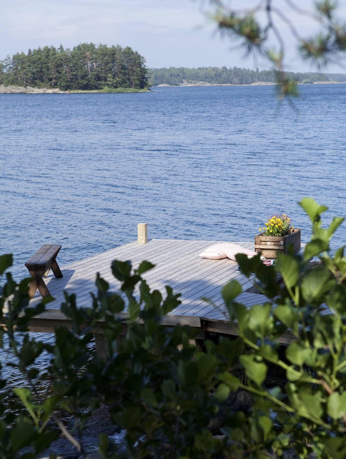 Sadan metrin päässä olevalle pikkusaarelle on mukava soudella seikkailuretkelle.