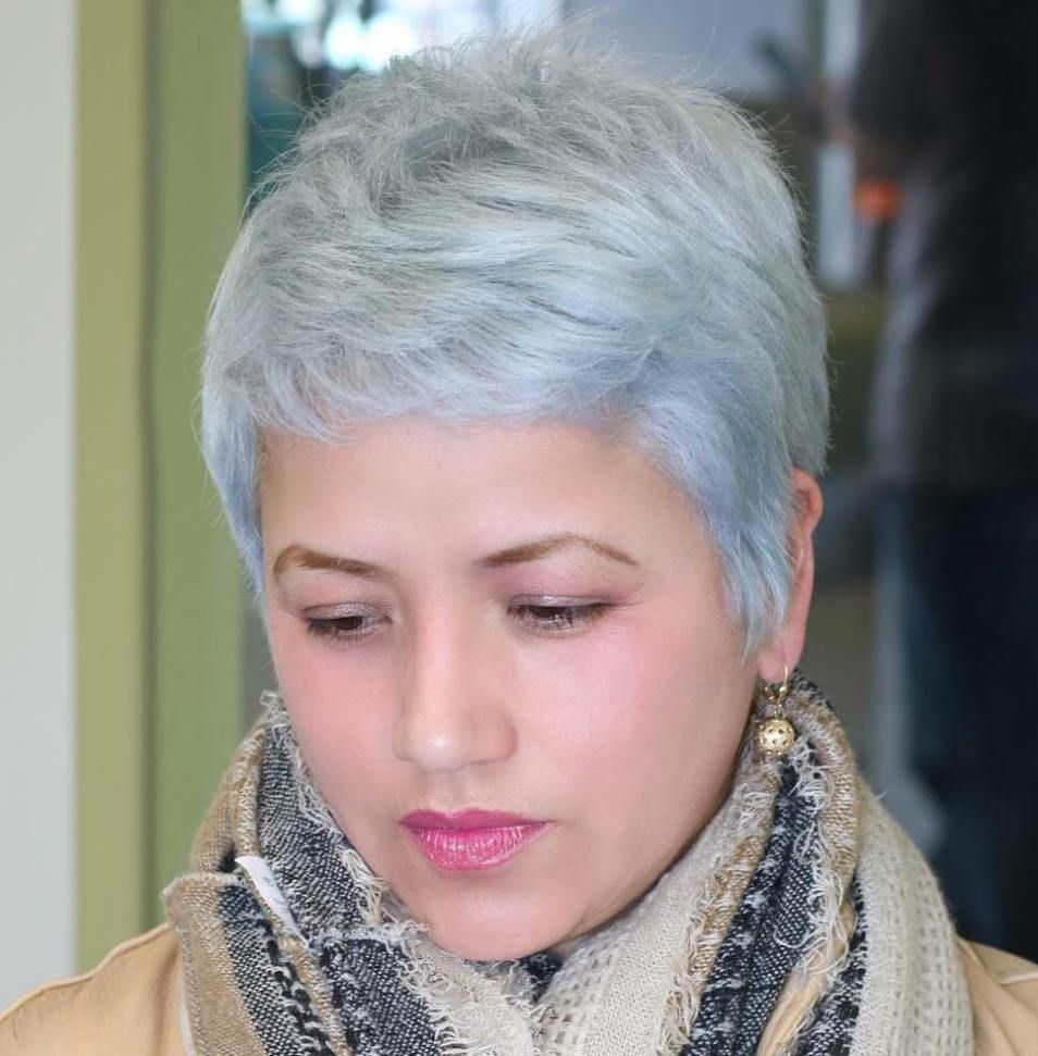 Super Cute Looks with Short Hairstyles for Round Faces  Crop