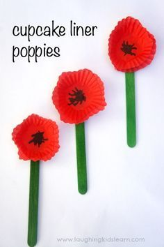Red memorial poppy craft using a cupcake liner - Laughing Kids Learn