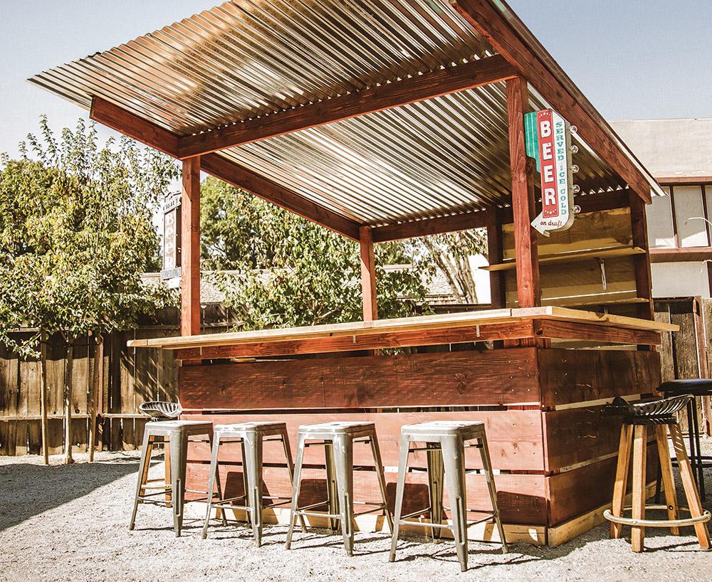 backyard bar with roof - Google Search | Backyard bar ... on Backyard Bar With Roof id=72098