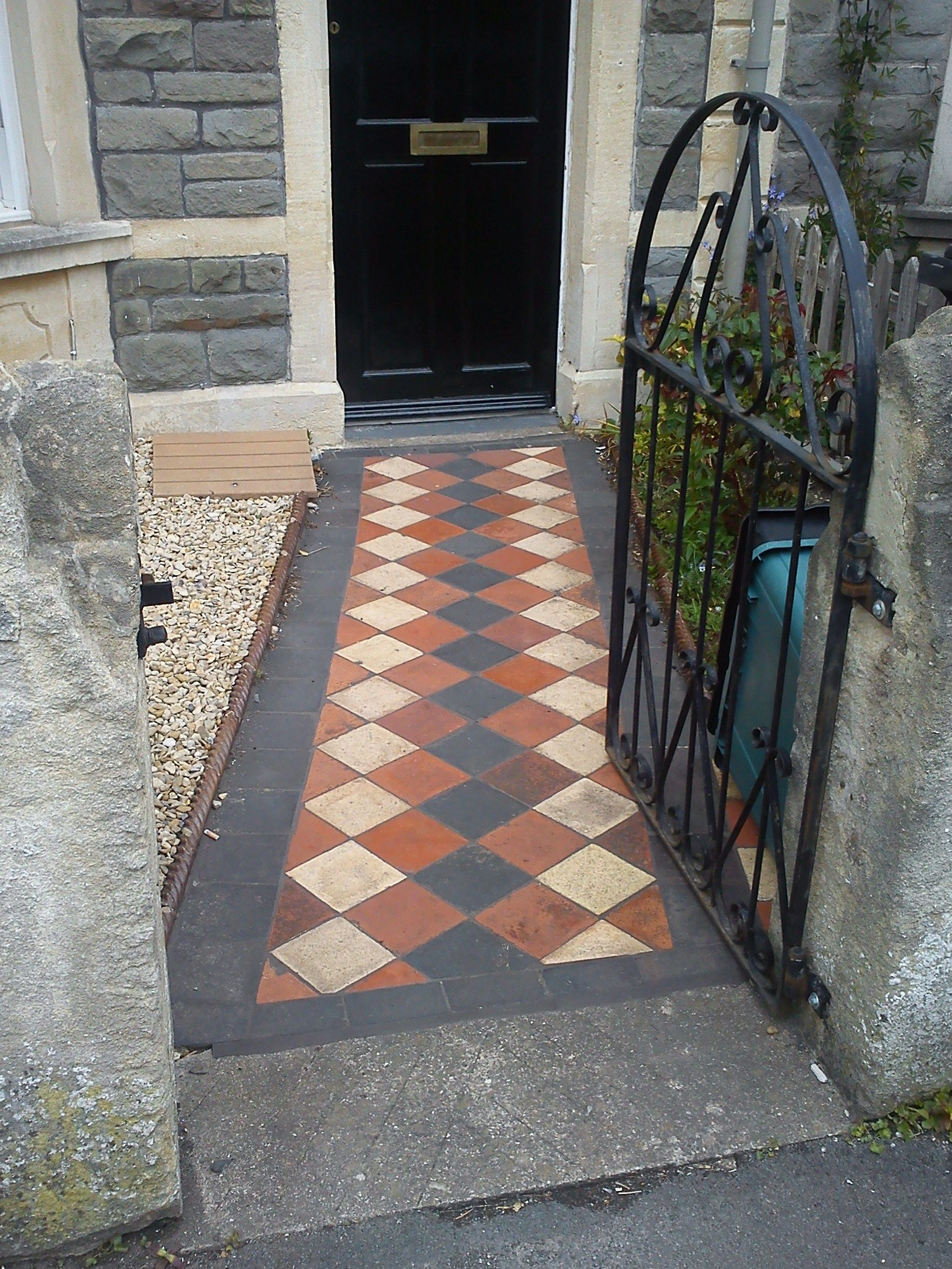 Delightful Front Garden Path With Original Victorian Quarry Tiles. Like The Black  Border Tiles
