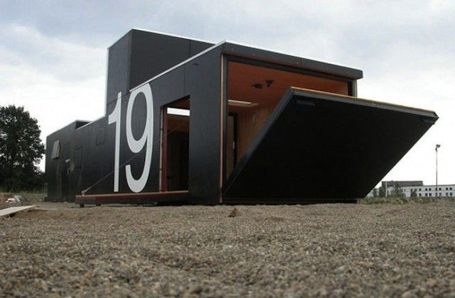 Transportable House No. 19 In Rotterdam