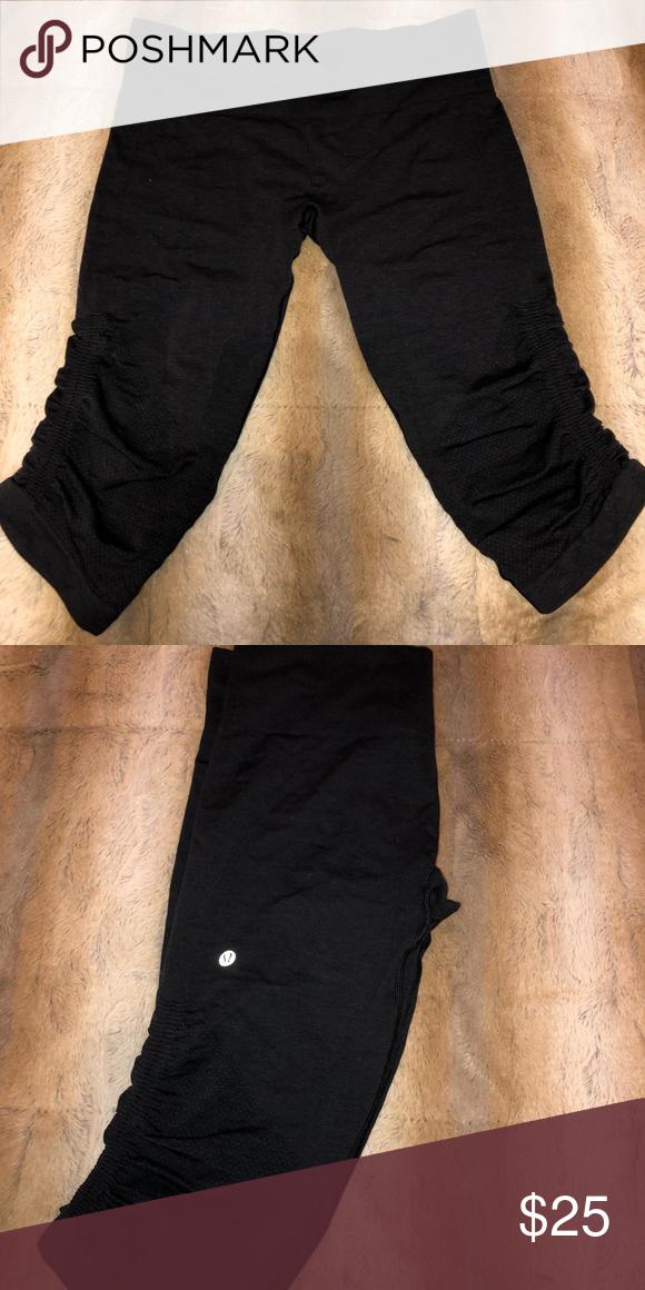 c40f881dba LULU LEMON knee-length yoga wear Worn once & in great condition lululemon  athletica Pants Leggings