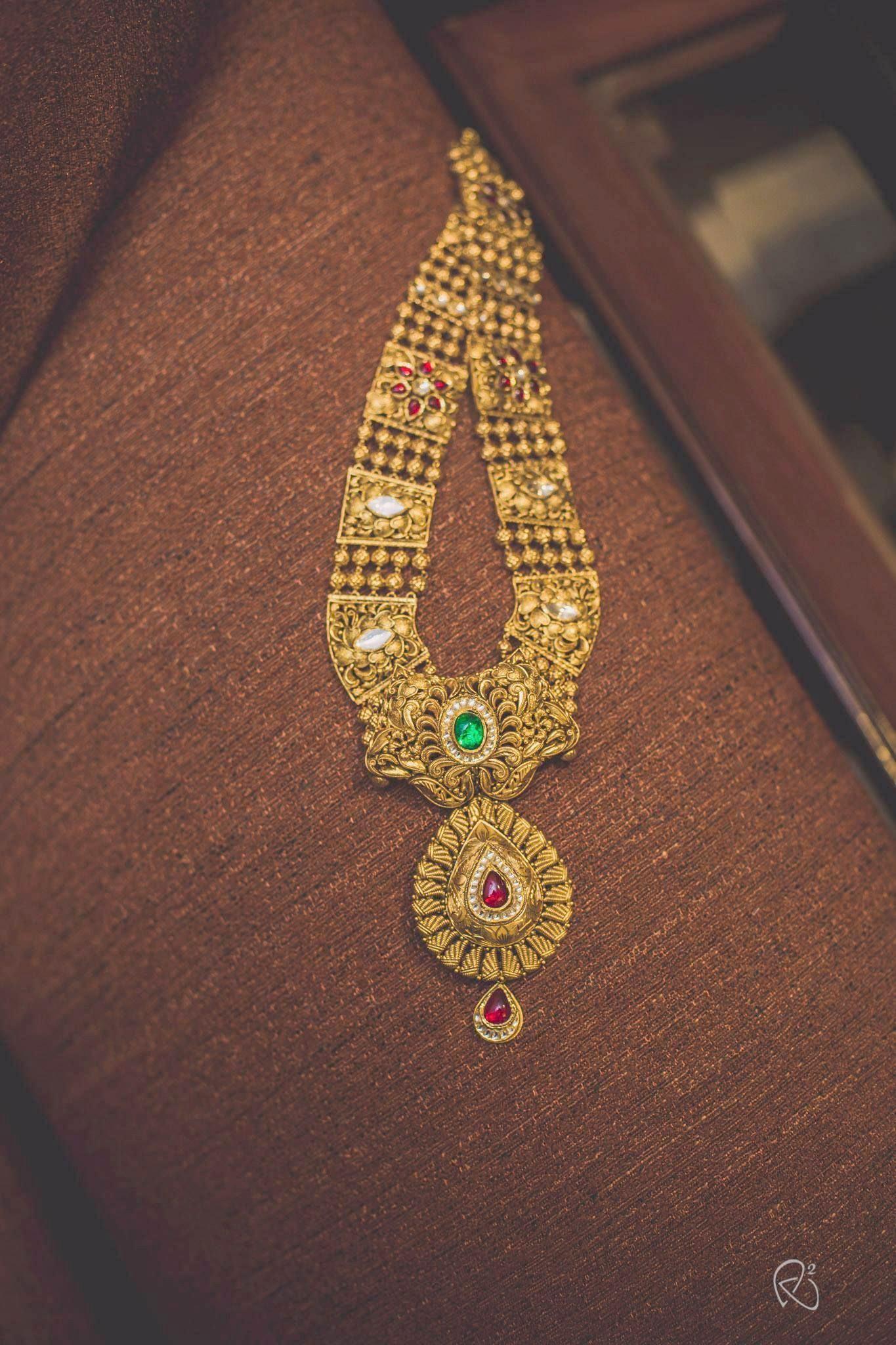 Noor Jewellers | South Asian Jewellery | 22K Gold