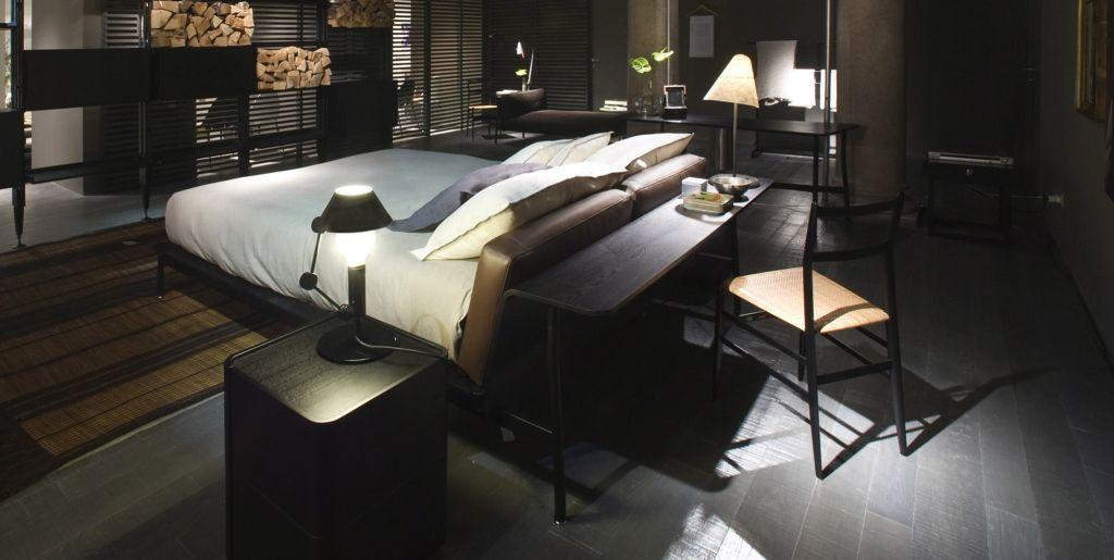 chambre bureau derriere lit lit cassina desk behind bed