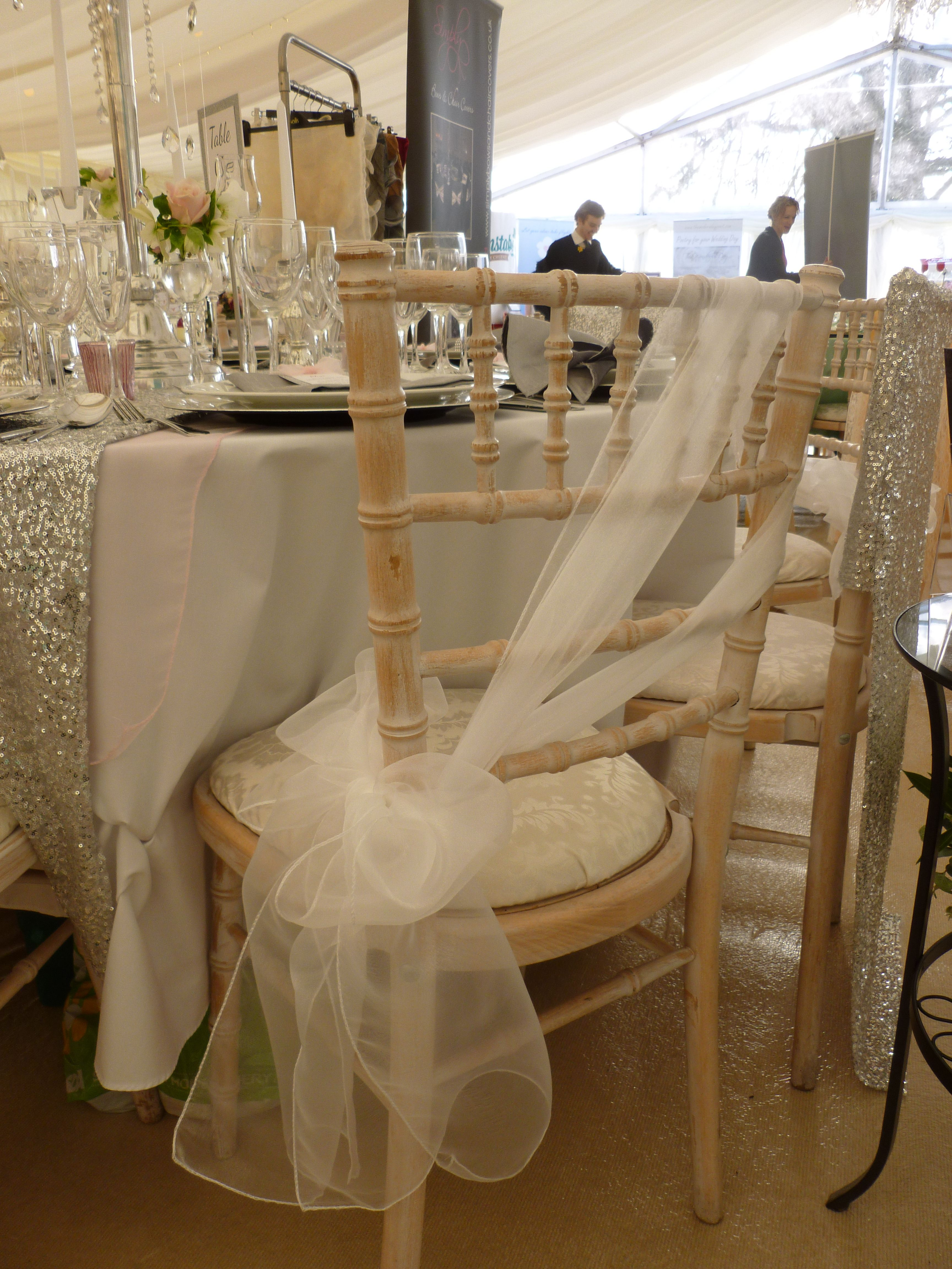 simply elegant chair covers and linens old farm chairs creative ways with sashes on chiavari by