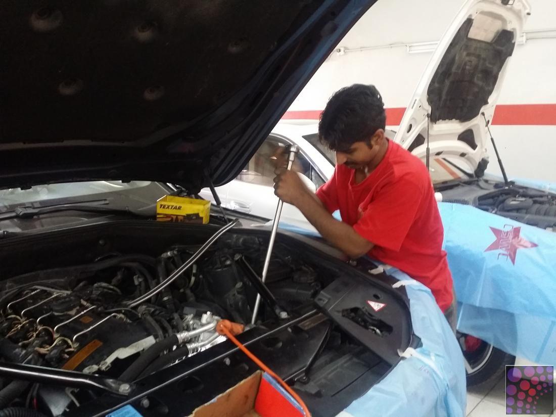 Auto repair garage in Dubai Garage repair, Auto repair