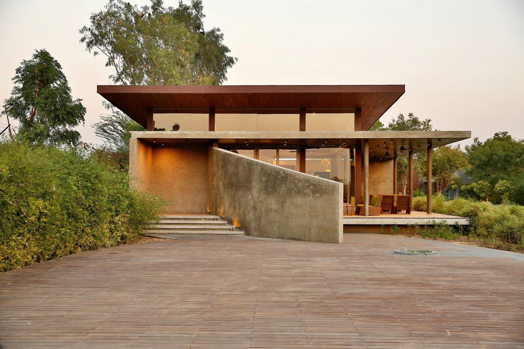Image 1 of 16 from gallery of Visitors Entrance Pavilion at Glade One / Khosla Associates. Photograph by Jignesh Vishwanath
