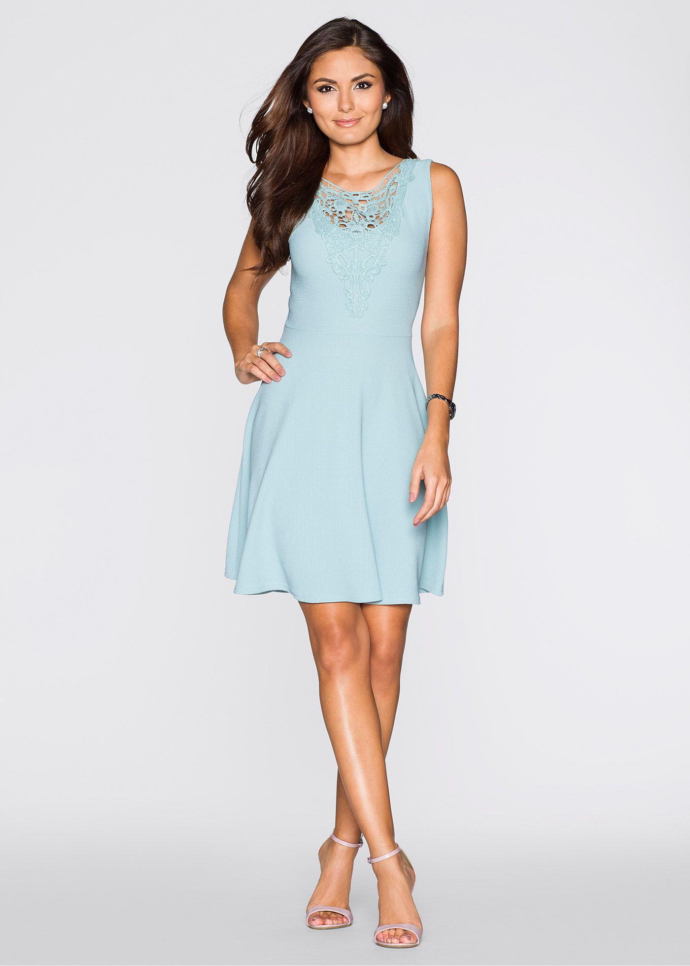 Spitzenverziertes Kleid mit ausgestelltem Rock   Spitze, schickes ...