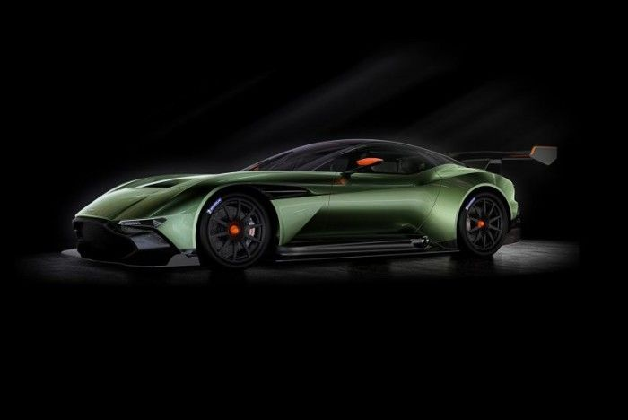 Fire Breathing Aston Martin Vulcan Unveiled With More Than 800 bhp