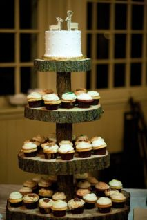wood cake stands |