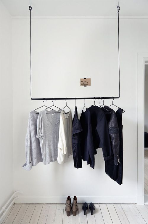 Dressing Dans Une Chambre Des Idees Pour S Inspirer Sko Cde Boutique Vetements Suspendus Dressing Et Penderie Ouverte