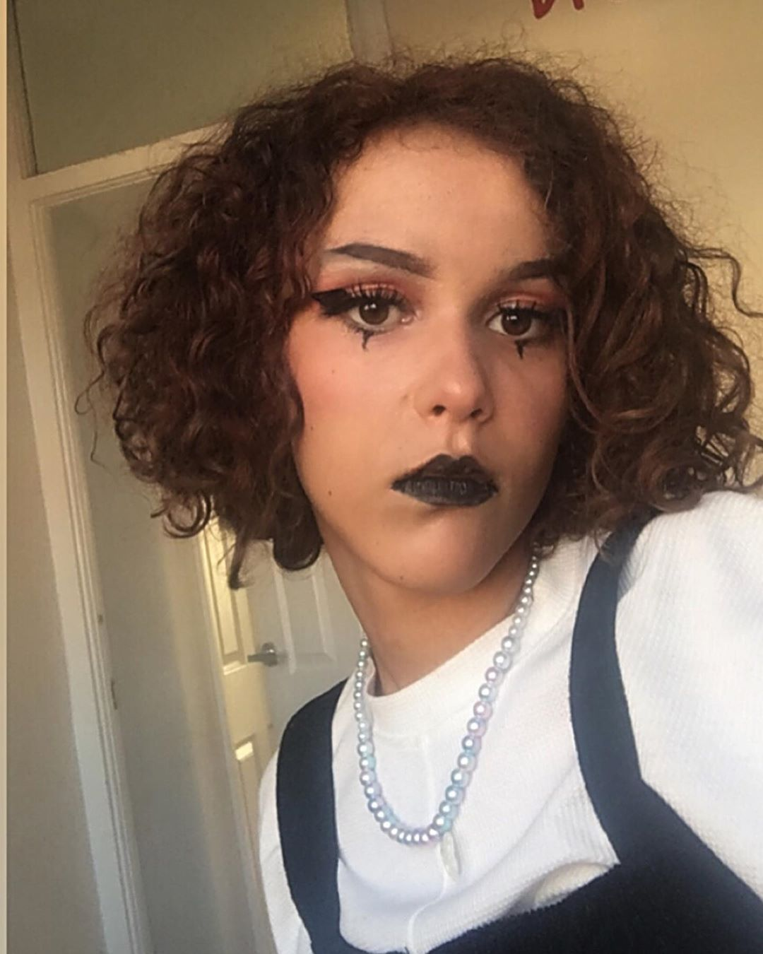 Cute Edgy Alternative E Girl Short Curly Hair Goth In 2020 Short Curly Hair Curly Hair Styles Short Curly