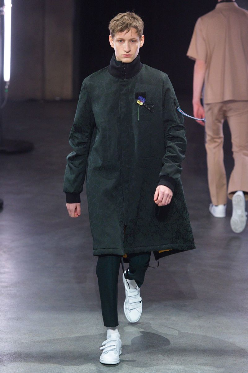 22/4 Hommes showeditsFall/Winter 2016 collection during Paris Fashion Week.