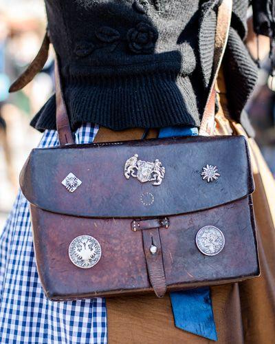 e19a4ae8d09fbd Streetstyle Wiesn: Die schönsten Outfits vom Oktoberfest - BRIGITTE