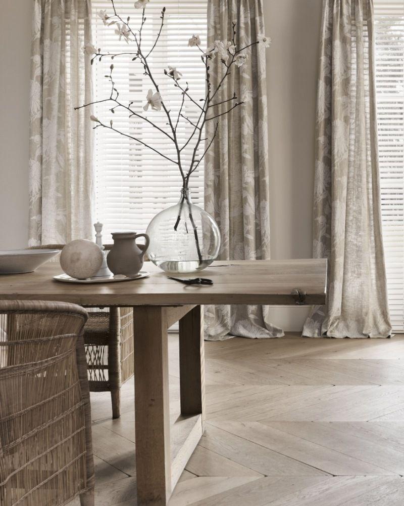Instant elegantie: zwierende gordijnen in je slaapkamer   Mrwoon