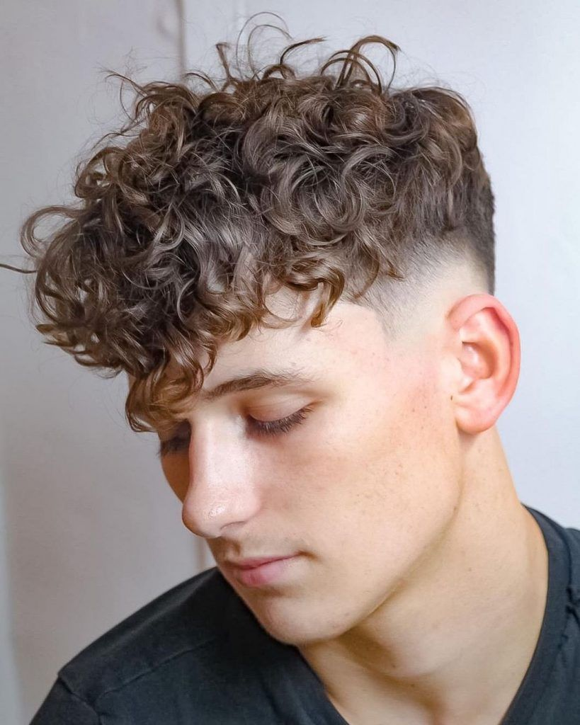 77 Best Curly Hairstyles Haircuts For Men 2020 Trends In 2020 Long Curly Hair Men Haircuts For Curly Hair Men Haircut Curly Hair