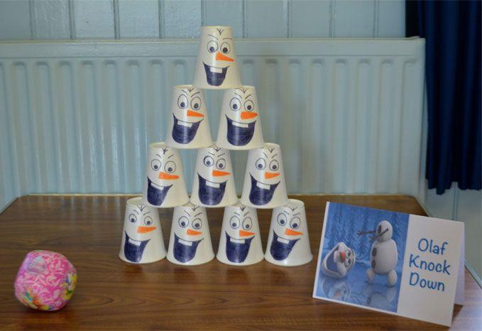 Photo of Olaf-Frozen-Knock-Down-Party-Spiel Machen Sie Olaf Kegel mit Styroporbechern und …