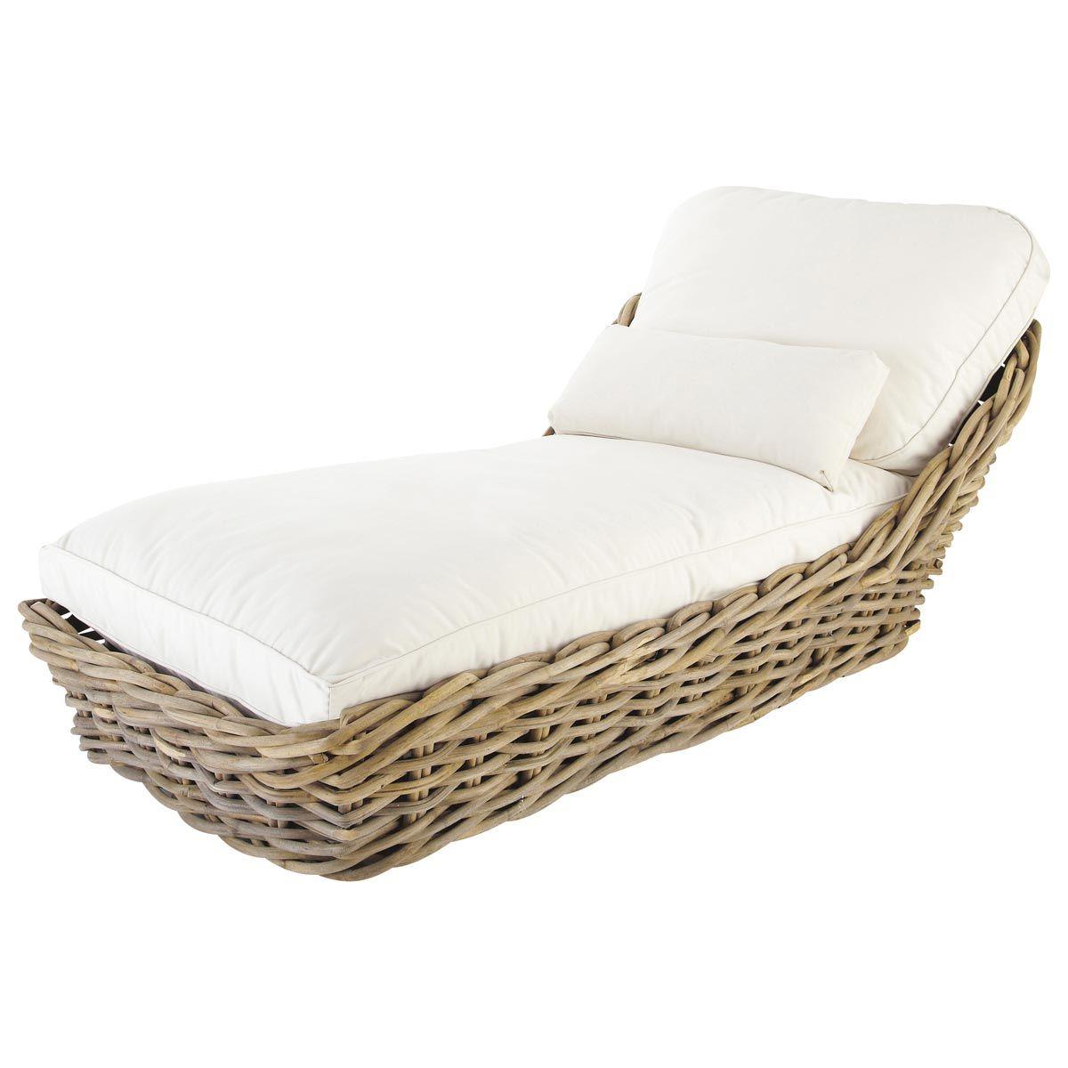 Chaise longue de jardín de mimbre y cojines marfil | Pinterest ...