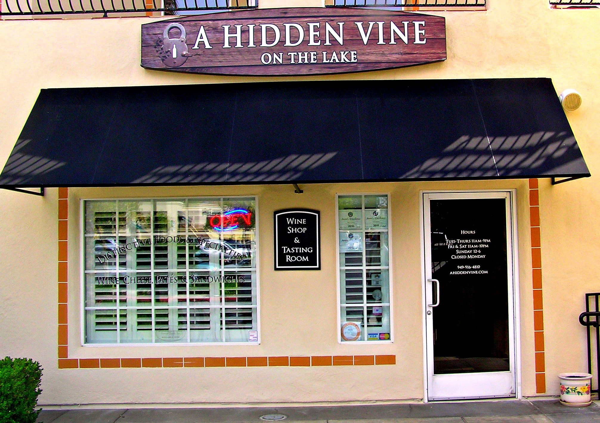 A Hidden Vine On The Lake Is Located In Mission Viejo California