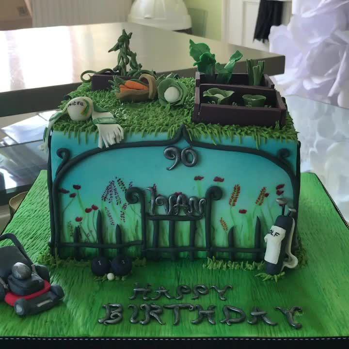 #90birthday #90thbirthday #90 #90thbirthdaycake #90th #90thbirthdaycelebration #cakeporn #cakes #cakeartist #cakedecorating #paintedcakes  #planitcake #sugar #sugarart #sugarartist #yeoviltown #yeoviltownfc