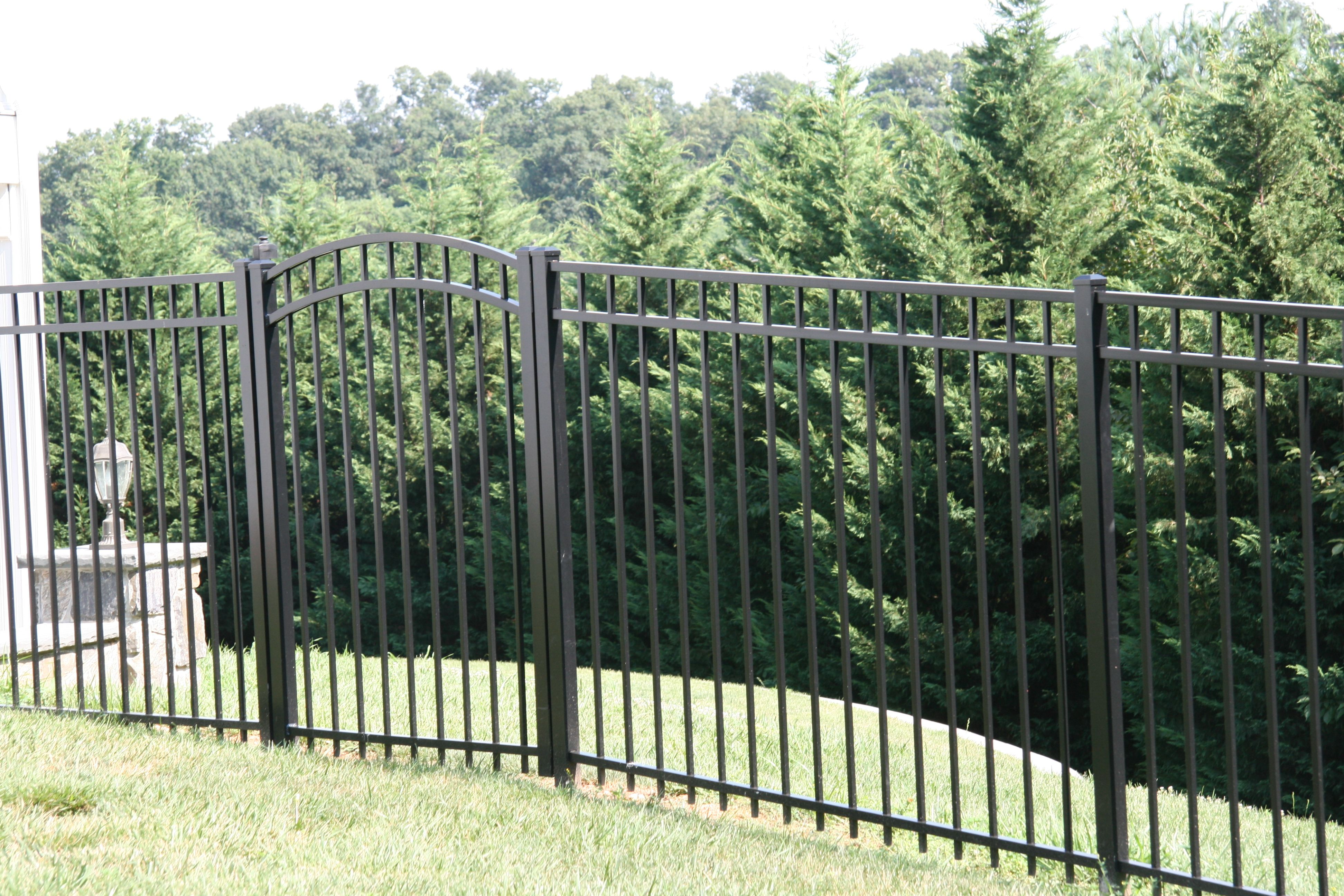 2 Popular Backyard Black Aluminum Fence Designs Aluminum Fence