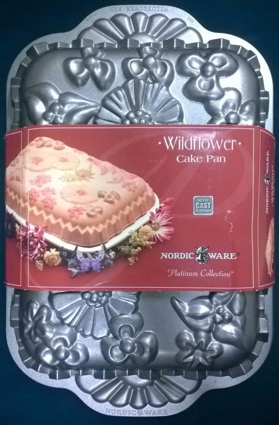 New nordic ware vintage 2003 wildflower pan heavy cast