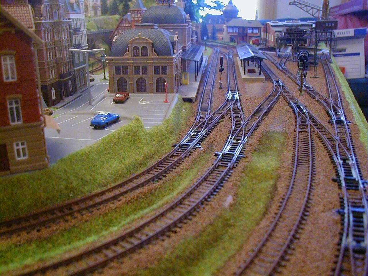 3' X 5' Outstanding N Scale Model Train Layout Image 4   Model rail