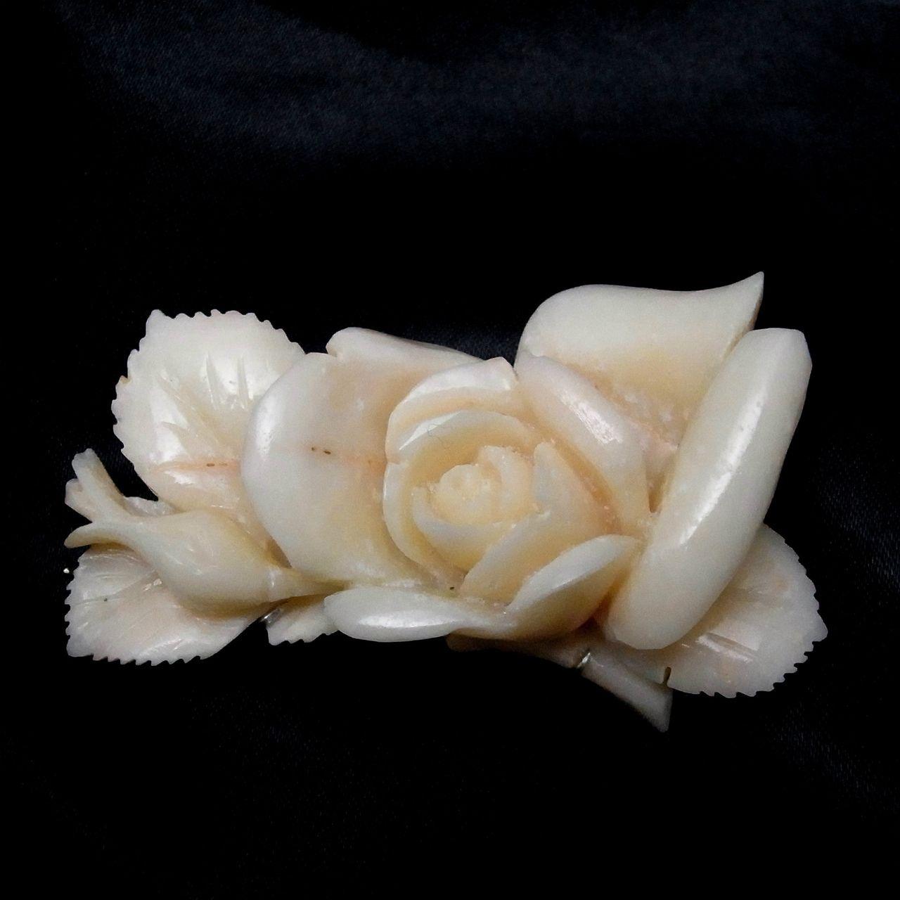 OBIDOME Modern Japanese carved coral Sash Clip for Kimono - Silver Mark #1806 - antique shop CHANO-YU